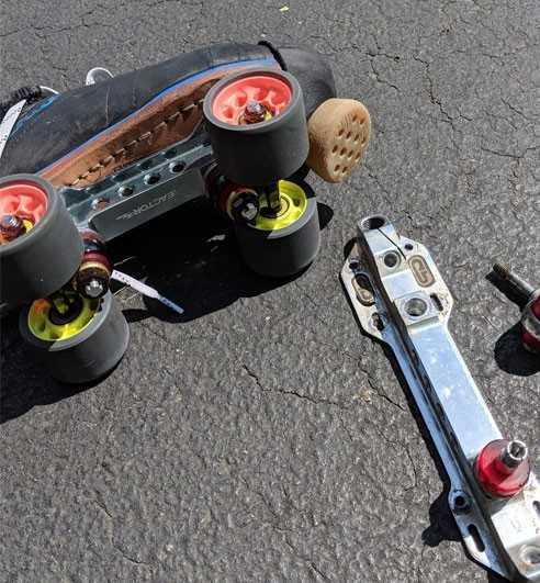 Roller quad plates